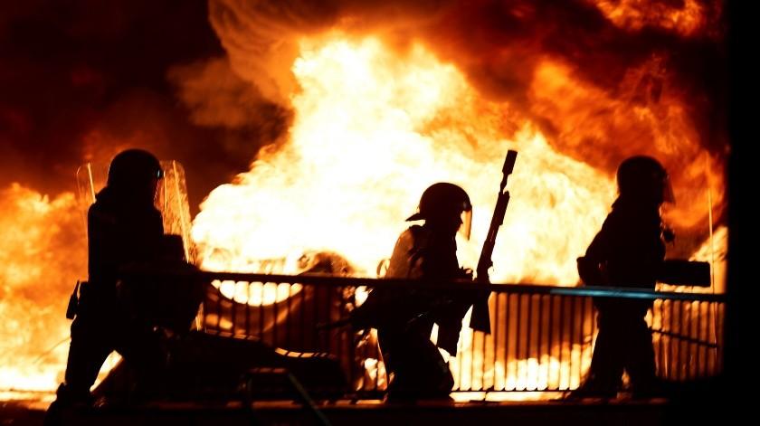 Cargas policiales en Barcelona tras un día más de disturbios(EFE)