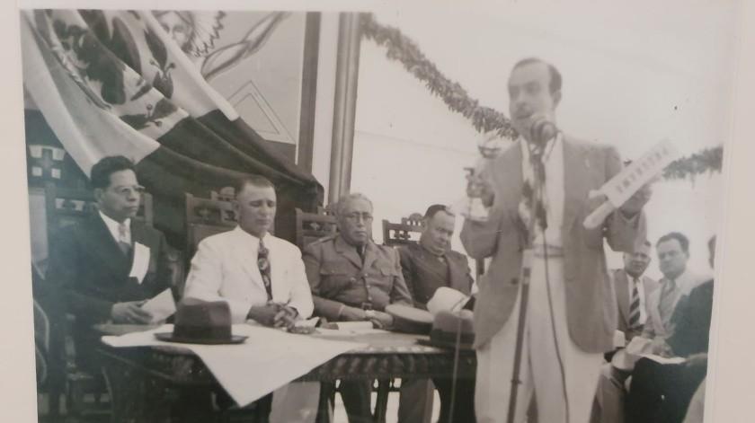 Se exhiben fotos y documentos de la primera piedra de Unison en Archivo Histórico(Tanya Vásquez)