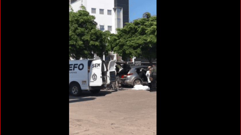 """Los abogados de la familia de """"El Chapo"""", José Luis González Meza y Juan Pablo Badillo Soto, confirmaron que sí fue detenido el muchacho."""