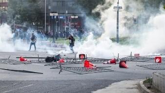 Arde edificio chileno en marco de intensos disturbios