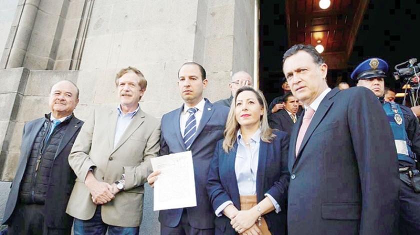 Marko Cortés, Presidente Nacional del PAN, acompañado de Ernesto Ruffo presentó el recurso contra la gubernatura de 5 años.
