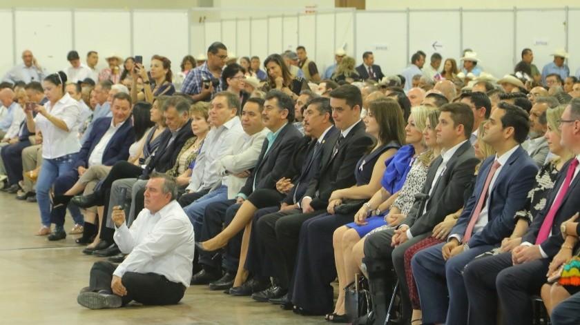 Rinde Arturo Bours primer informe como senador por Sonora(GH)