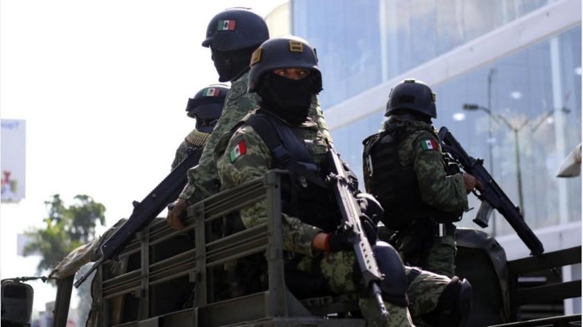 """Por miedo, luego de ser amagadas tras el fallido operativo para detener a Ovidio Guzmán, hijo de """"El Chapo"""", familias de militares abandonaron sus viviendas en el complejo habitacional de la Colonia 21 de Marzo."""