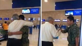 En las imágenes se aprecia el momento cuando el primer mandatario del País responde con un fuerte abrazo luego de que el soldado lo saludara.