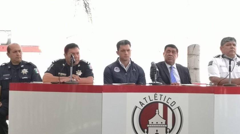 El presidente del equipo, Alberto Marrero, habló en conferencia de prensa tras los terribles acontecimientos de ayer durante el partido.(Twitter)