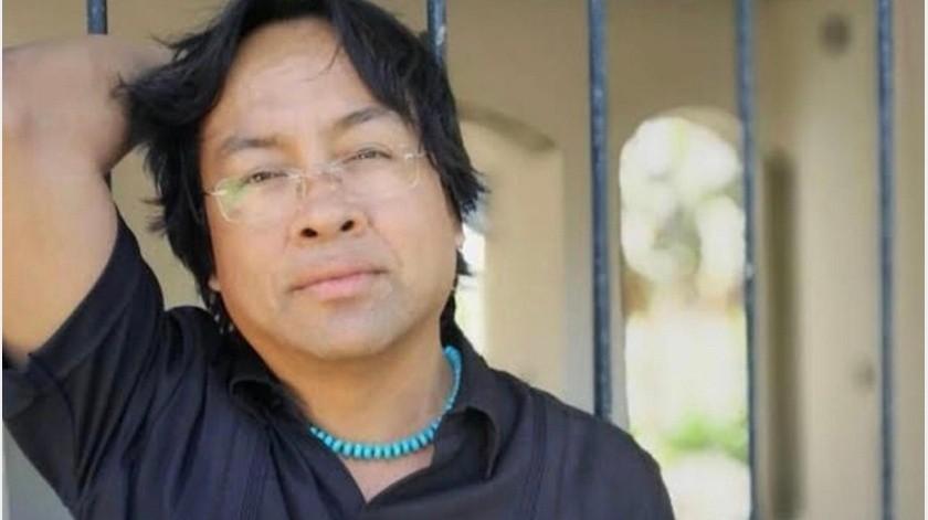 El escritor zapoteca, Víctor Cata, recibió el Premio a la Creación Literaria en Lenguas Originarias Centzontle 2019, en el marco de la XIX Feria Internacional del Libro de la Ciudad de México, que concluye hoy en el Zócalo de la capital.(Tomada de la red)