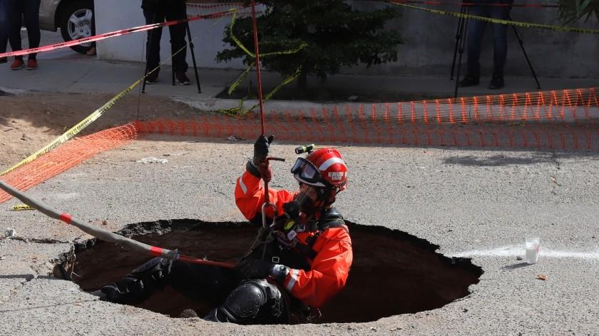 El hallazgo se hizo aproximadamente a 450 metros hacia el Sur desde el punto inicial, sobre la calle Juan de Dios Bojórquez.(El Imparcial)