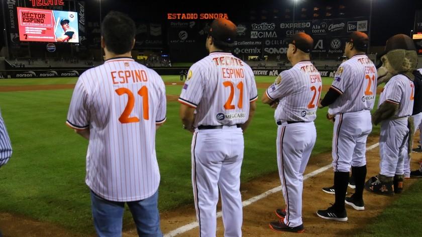 Espino, en su carrera en la Liga Mexicana del Pacífico es el líder histórico con 299 cuadrangulares, así como en dobletes con 259..(Eleazar Escobar)
