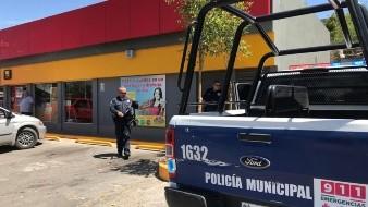 Los delincuentes piden a sus víctimas que realicen depósitos económicos a través de tiendas de autoservicio.