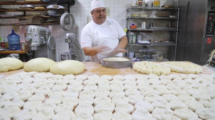 El pan de muerto es una de las tradiciones más sabrosas de la temporada otoñal.(Jesús Bustamante)