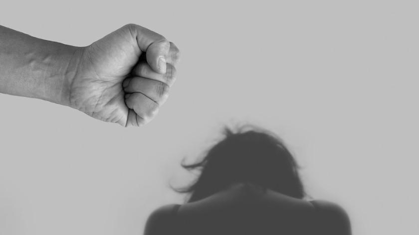 El hombre amenazó a las menores para que no confesaran sobre sus abusos.(Pixabay)