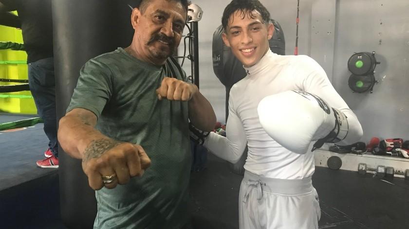 José Russell con su entrenador Guillermo Arias(Cortesía)