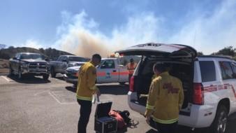 Las autoridades del Departamento de Bomberos de California (Cal Fire) en el Condado de San Diego combatieron tres incendios de maleza en la región, este viernes.