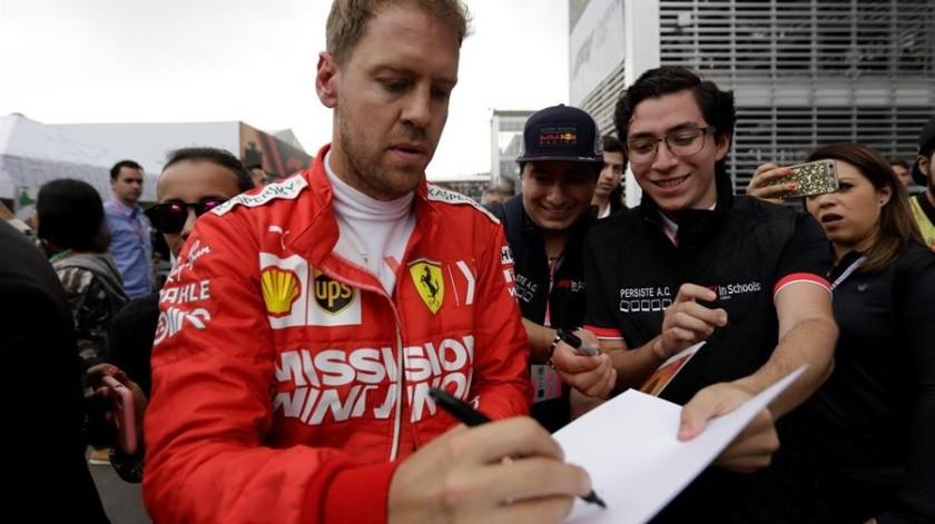 Hamilton, líder del campeonato con 338 puntos, y el mejor de la práctica matutina, terminó la segunda ronda de práctica libre en el quinto lugar con registro de 1:17.570.(EFE)