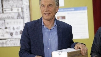 La votación para elegir presidente en Argentina concluyó el domingo en unas elecciones que podrían poner en riesgo la reelección del conservador mandatario Mauricio Macri y dar pie al regreso del kirchnerismo al poder.