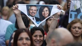 Los primeros resultados oficiales de las elecciones en Argentina daban el domingo un 47,21% al candidato opositor peronista Alberto Fernández y un 41,42% al conservador presidente Mauricio Macri, que busca la reelección.