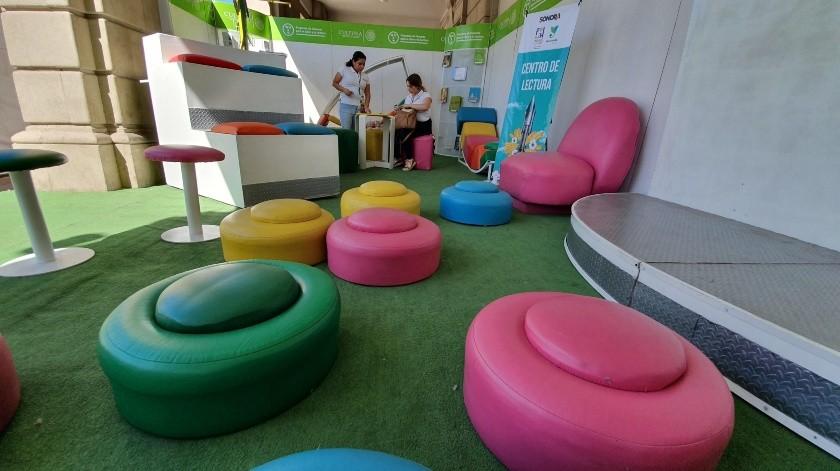 Este espacio es una opción para que los niños puedan aprender y leer.(Gamaliel González)