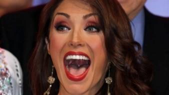 La cantante y actriz Anahí reveló con gran felicidad que se encuentra embarazada y está esperando a su segundo bebé junto a su esposo Manuel Velasco.