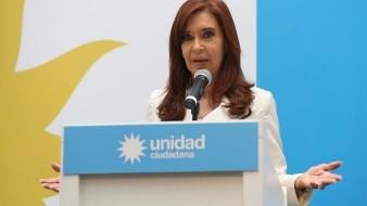 Revocan dos procesamientos contra Cristina Fernández