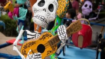Que este Día de Muertos no falte la música y el ritmo.