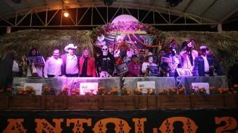 Desde hace 800 años, familias enteras en la región mexicana de la Huasteca celebran en vida a la muerte en el festival Xantolo, en el que lucen máscaras únicas mientras bailan el son tradicional.