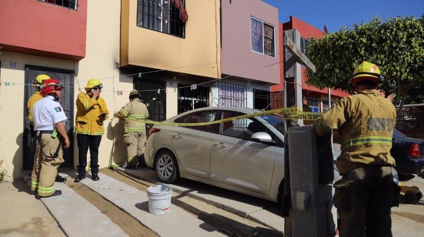 En el interior del domicilio se localizó a cuatro personas, tres menores y su mamá, todos con quemaduras severas.(Sergio Ortiz)
