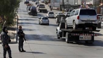 Autoridades federales realizaron un operativo contra la venta de autos irregulares.