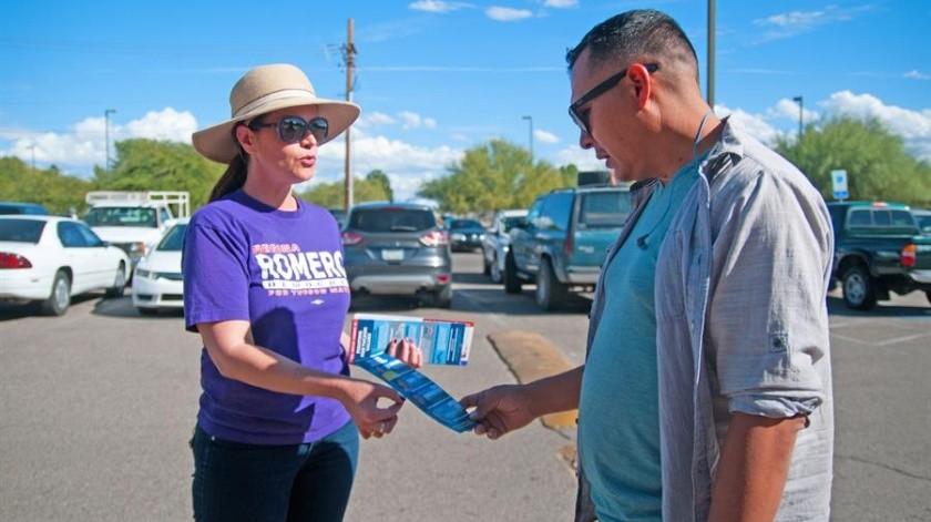 """La alcaldesa electa de Tucson, Regina Romero, primera mujer latina en llegar a ese puesto, no cree en que una persona por sí sola pueda """"hacer historia"""".(EFE)"""