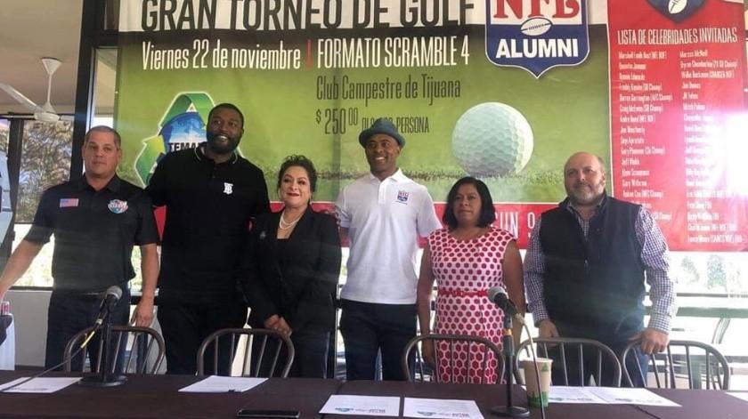 En rueda de prensa se presentó el torneo de golf de NFL Alumni.(Johanna Mejía)
