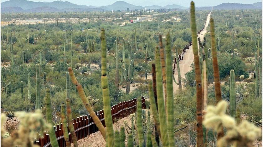 La construcción de un nuevo muro fronterizo en un tramo de 96,5 kilómetros (60 millas) está planeada o ha iniciado en el estado de Arizona.(AP)