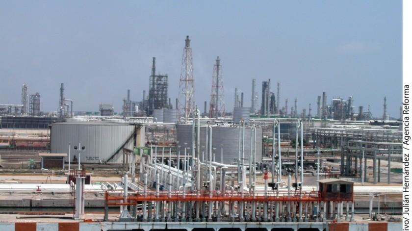 Hay una caída en el nivel de procesamiento de petróleo crudo.(Banco Digital)