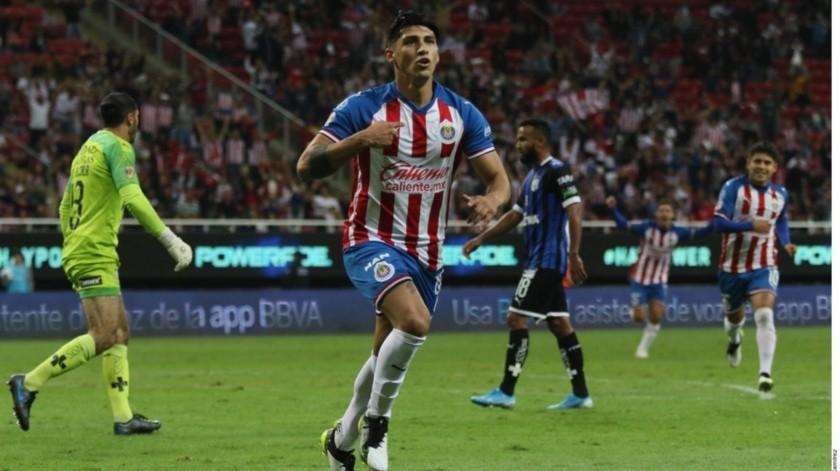 De la tranquilidad de un 3-0, las Chivas pasaron al enojo y nerviosismo en los últimos minutos para vencer al Querétaro 3-2.