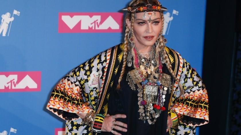 """Un admirador de Madonna demandó en Miami a la cantante y a la empresa Live Nation por haber atrasado dos horas el comienzo de los conciertos de su gira Madame X, algo a lo que ella ha respondido diciendo: """"una reina nunca llega tarde"""".(EFE)"""