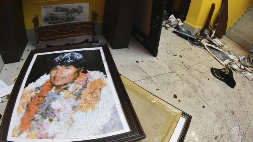VIDEO: Casa de Evo Morales es saqueada y vandalizada por opositores(AP)