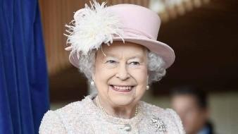 La reina Isabel II se despide de las pieles