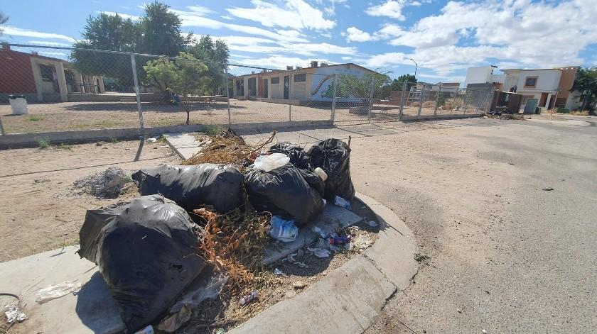 Piden apoyo en kínder para que se lleven basura(Gamaliel González)