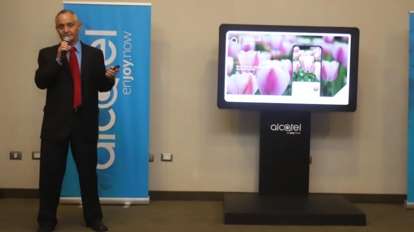 Lanzan Alcatel 3X, el teléfono con triple cámara(Teodoro Borbón)