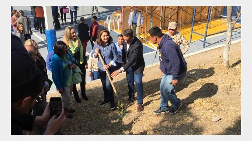 Sembrado Vida forma parte del programa de trabajo de los 100 primeros días y se impulsará en escuelas municipales de Tijuana, para motivar a las nuevas generaciones a ser ciudadanos responsables.(Cortesía)