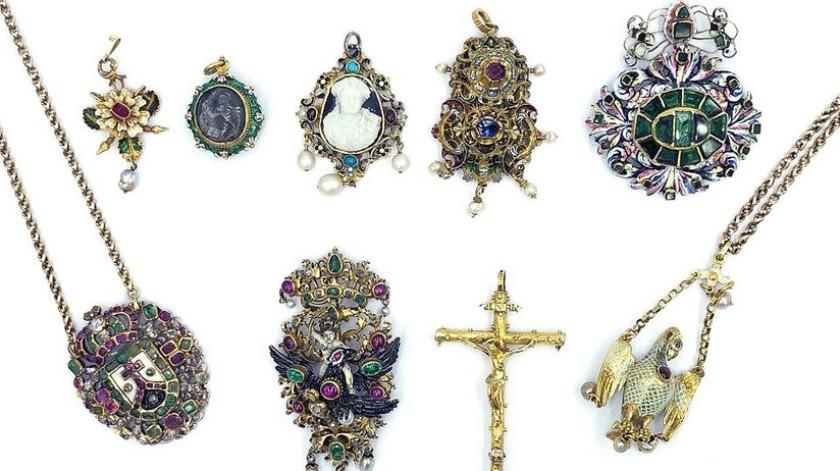 Encuentran más de 127 mil dólares en joyas en el congelador de una anciana fallecida(kidsontrigg.co.uk)
