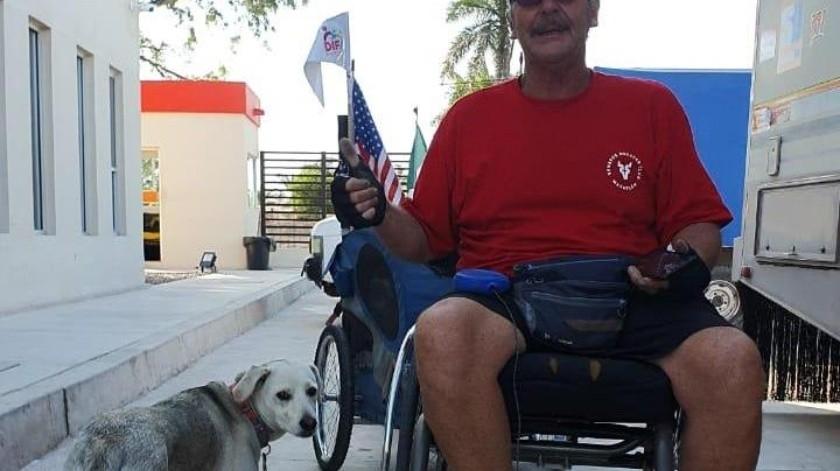 Avanza Warren en su travesía en silla de ruedas