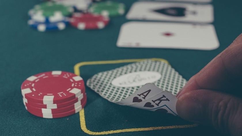 Dos menores mataron a un jugador de póker mientras él cenaba en una taquería.(Ilustrativa.)