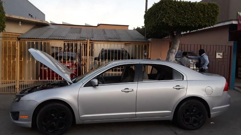 Los vehículos fueron localizados en un domicilio ubicado en la calle Michoacán, número 3778, colonia México.(Cortesía)