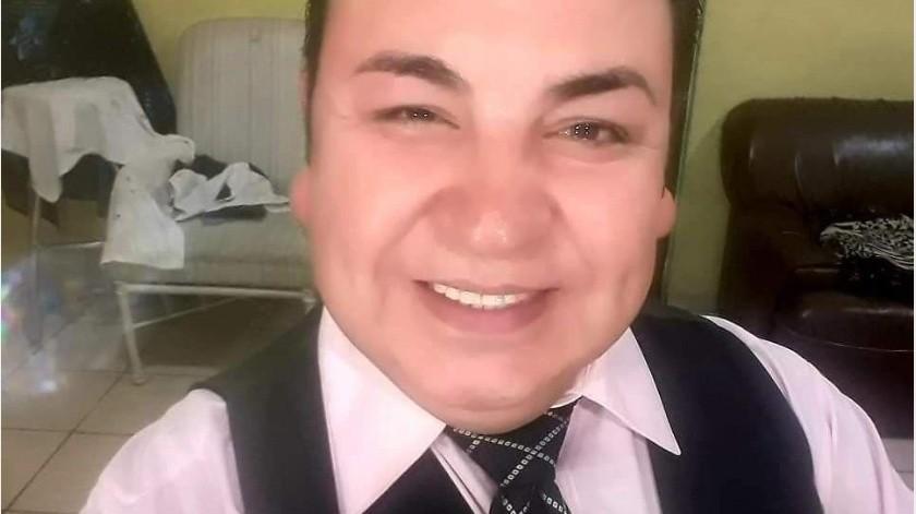 Personal de Bomberos de Hermosillo informó que Pedro Adolfo fue encontrado en un sillón que estaba en el área de la sala y fue sustraído del fuego.(Especial)