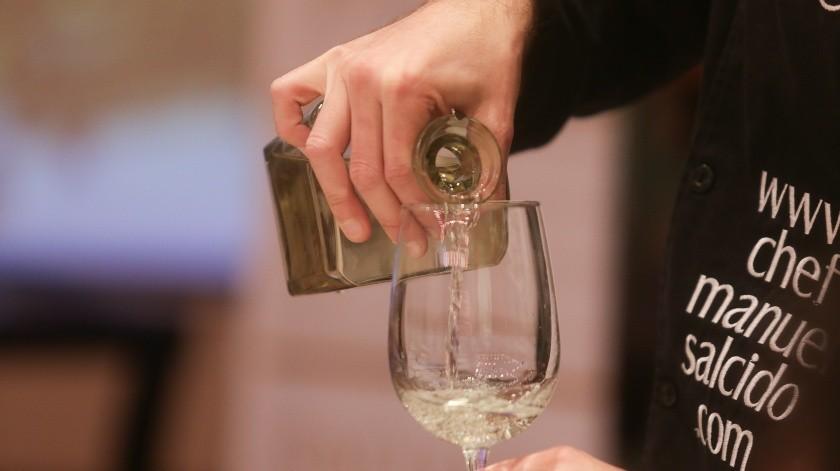 En el pasado, dijo, este producto se elaboraba de forma rústica y sencilla porque no era legal su fabricación y eso causó que los sonorenses estigmatizarán la bebida.(Banco Digital)