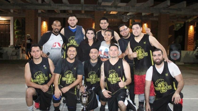Hangovers, equipo campeón en el Torneo Streetball HMO.(Banco Digital)