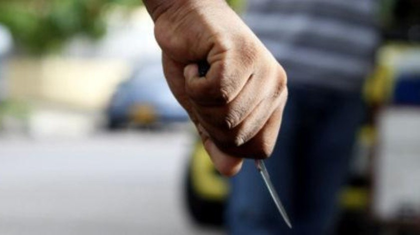 Con un arma blanca amenazaron a la conductora para que entregara el automóvil.(Banco Digital)
