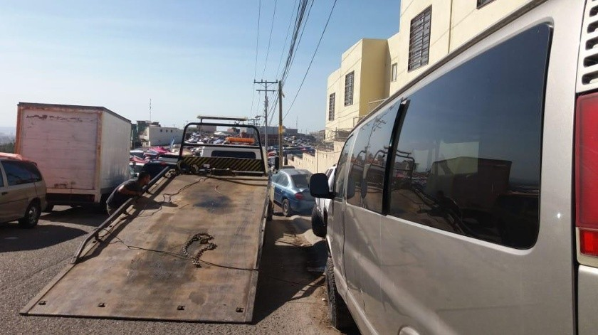 """Agentes de la sección de Tránsito de la Policía Municipal desplegaron el operativo """"Cero Tolerancia"""" en el bulevar El Rosario esta mañana.(Agencias)"""