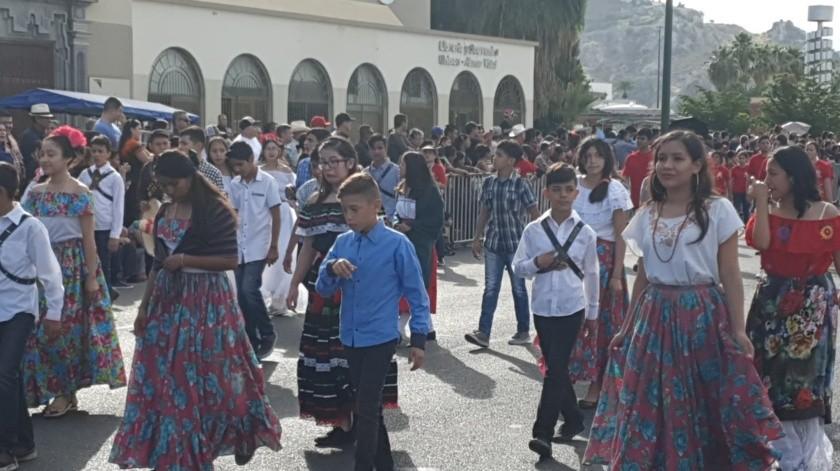 Desfile conmemorativo por aniversario de la Revolución Mexicana en Hermosillo(Teodoro Borbón)