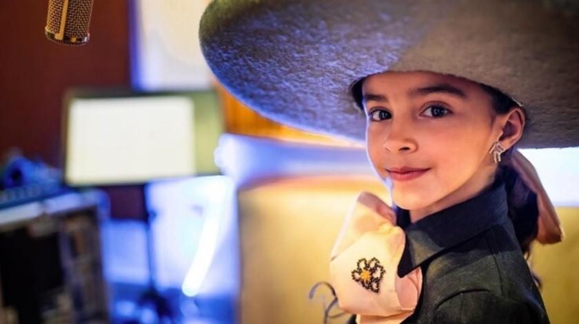 """Ha pasado una semana desde que se dio a conocer que la pequeña Marian Lorette, concursante de """"La Voz Kids"""" y que forma parte del equipo de Lucero, sufrió un accidente en un juego mecánico. Sus familiares han dado cuenta de la recuperación de la niña, quien fue sometida el fin de semana a una cirugía.(Tomada de la red)"""