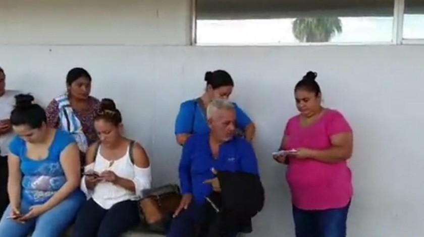 Denuncian falta de medicinas en HIES; Ssa afirma que ninguna farmacia tiene antibiótico(Mirna Lucía Robles)